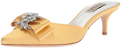 Badgley Mischka Women's Hagen Pump, Banana Cream, 9 M US